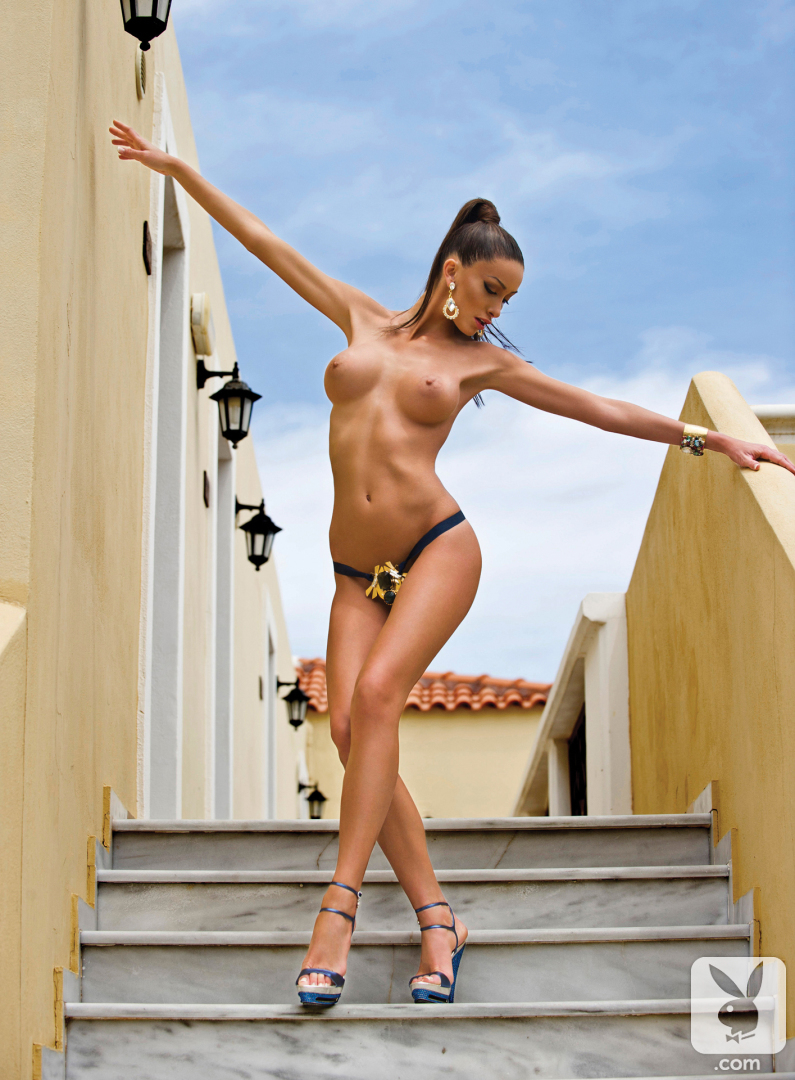 hot babes nude from long island