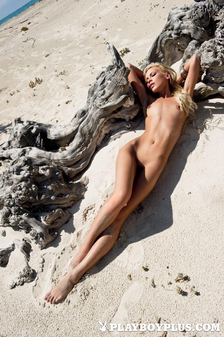 greek girls nude in heels