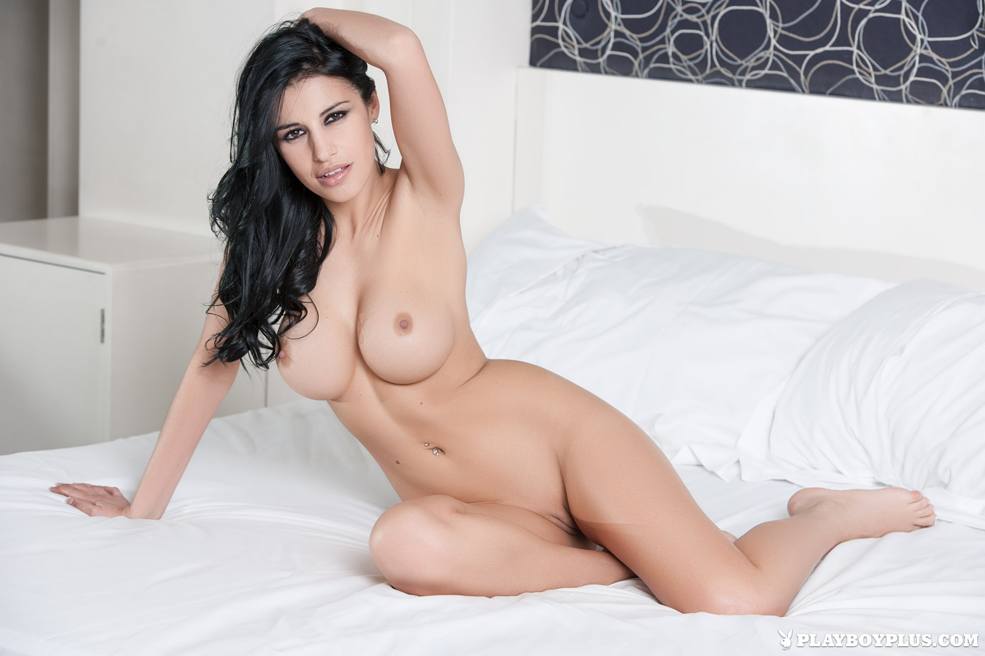 Laura Croft desnuda en The Girls Next Door