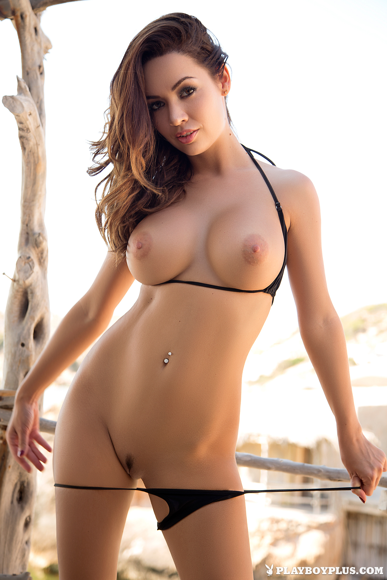 naked images of the hottest girls in the world