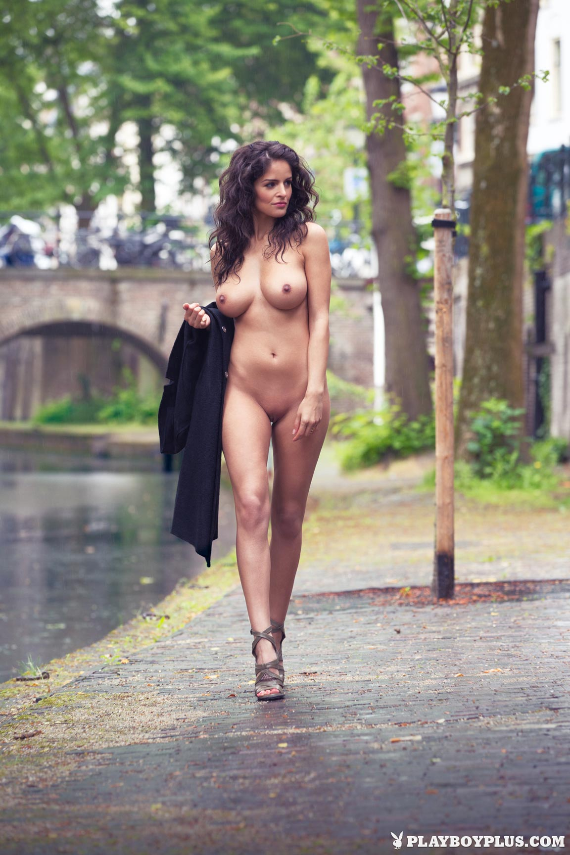 Curiously Nude busty dutch women