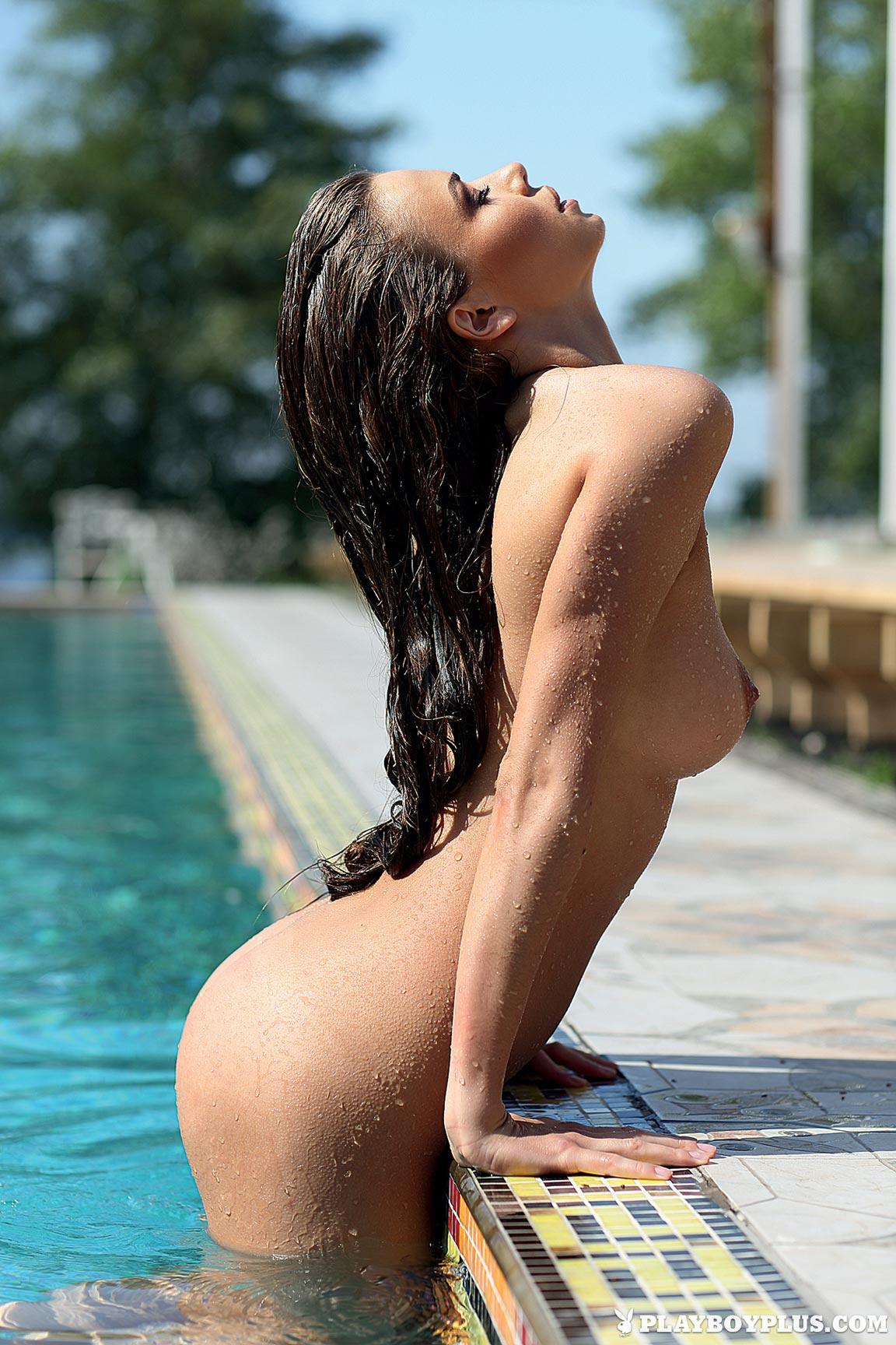 Секс на профессиональном плавании в бассейне 12 фотография