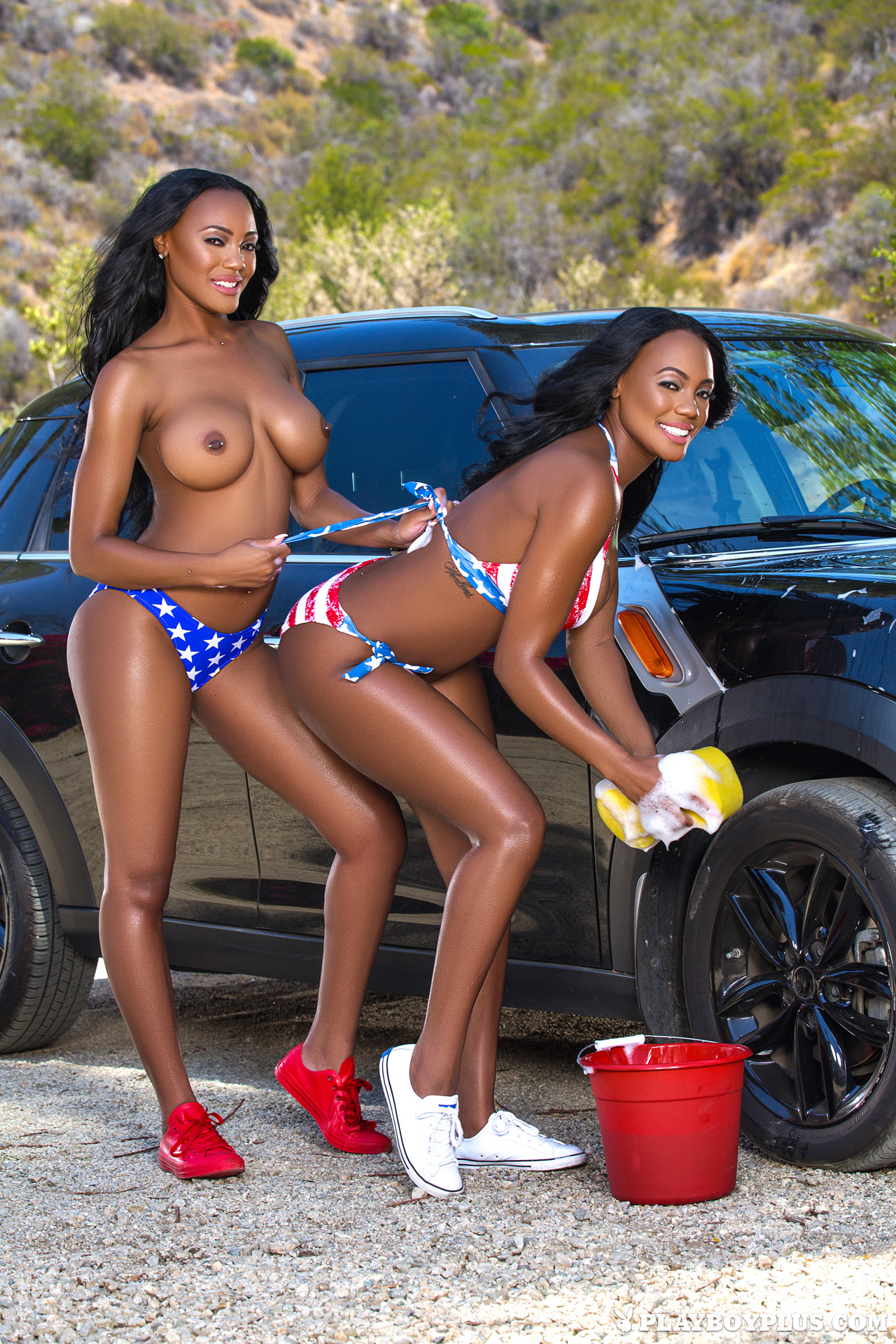 Brittany & Brandi Kelly in Wet Hot American Girls ...