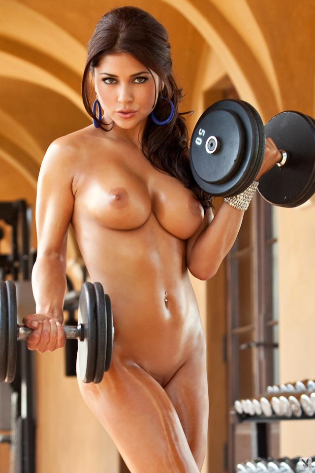 Красивая голая спортсменка фото