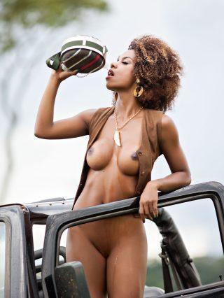 Ivi Pizzot Playboy Brazil 09