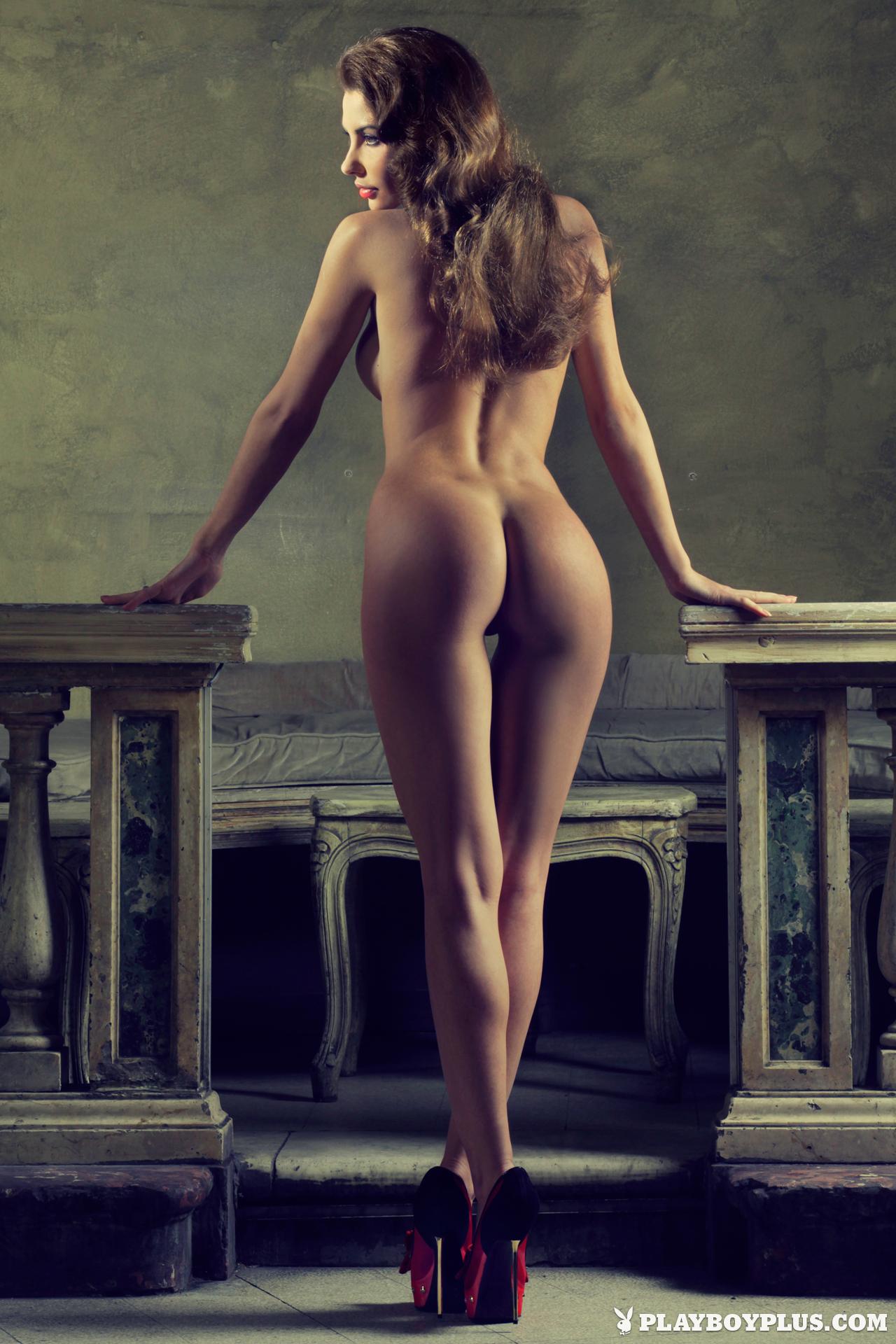 Sexiest Nude Italian Woman