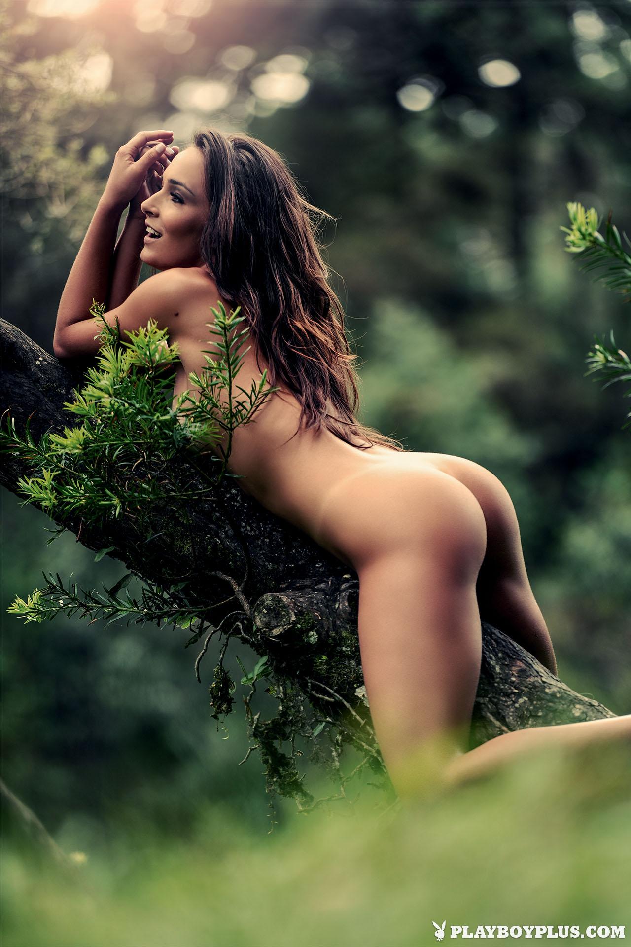 prettiest woman in the world nude