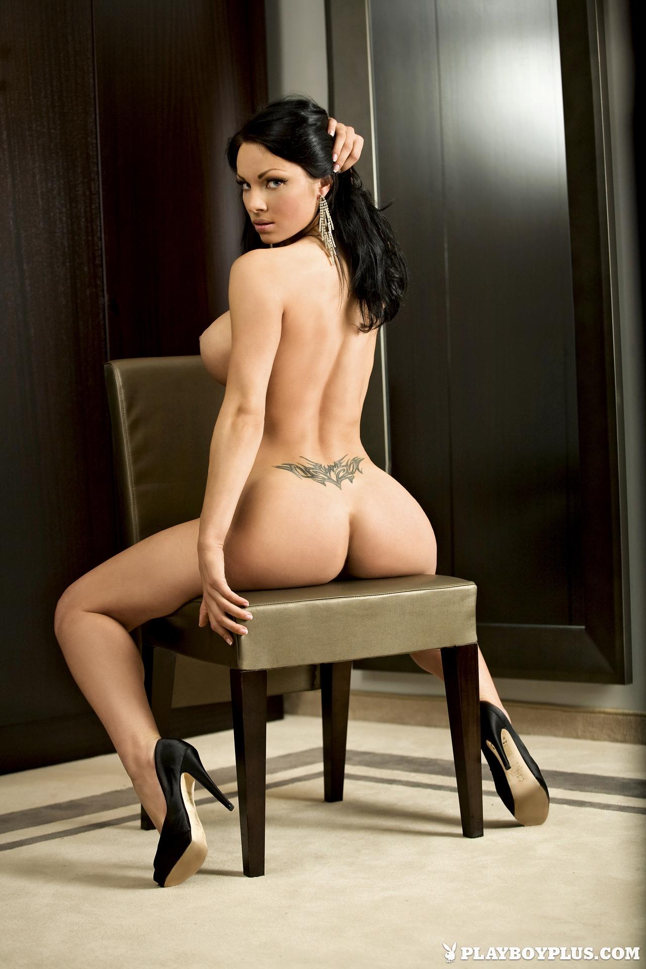 Viktorija Manzinni in Playboy Slovenia - Centerfolds Blog