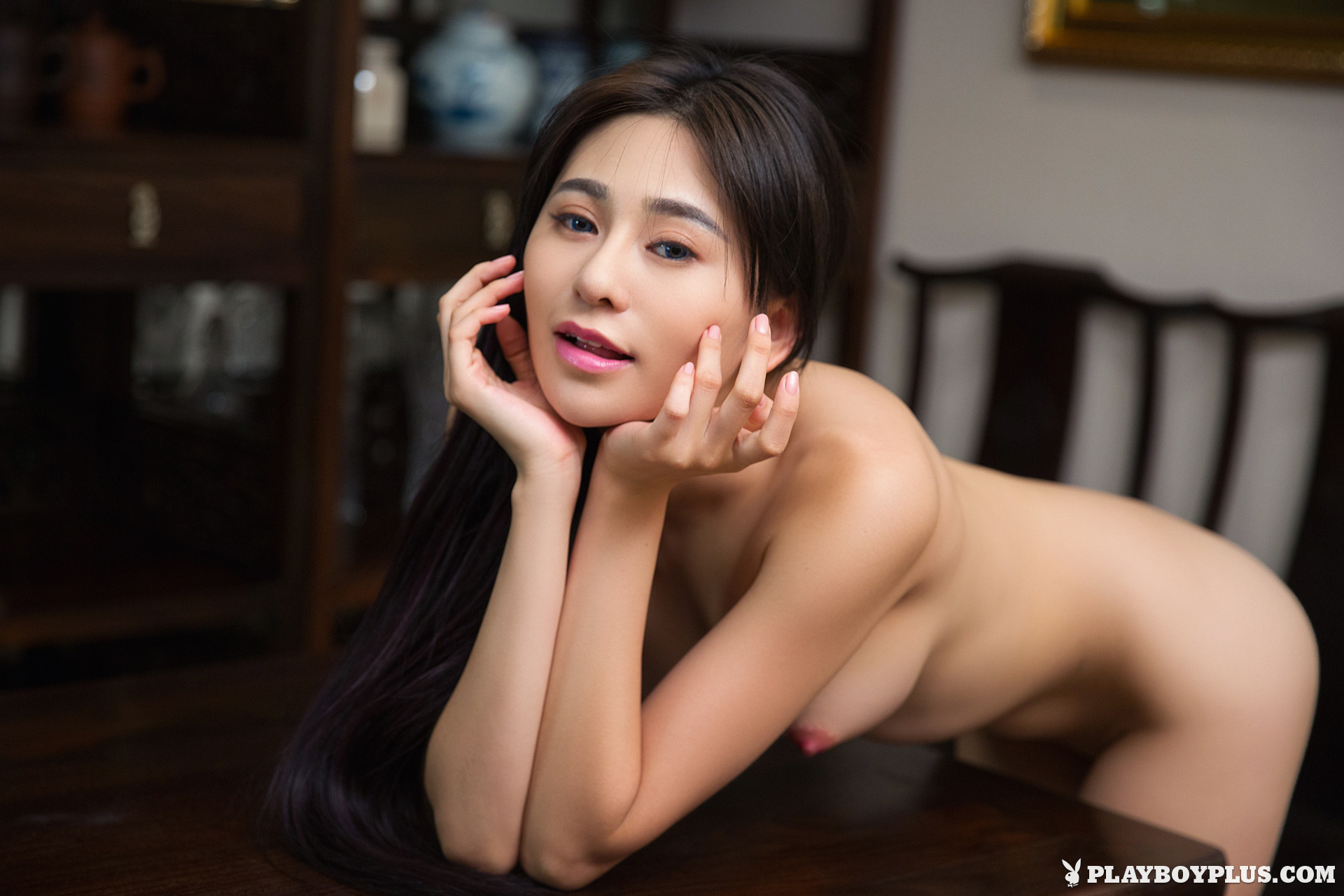 A girl knows sensual lesbian sex with two hot babes - 3 part 4