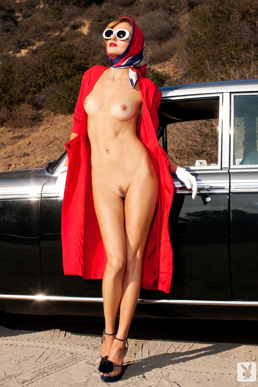 Nude dubai lady — img 1