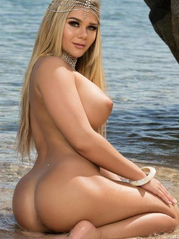 hottest naked women of the year